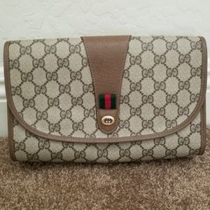 Beautiful Vintage Gucci Clutch with stripe